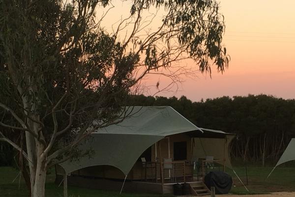 eco-tent-at-sunset5D5637D9-C03E-6E01-7D4C-6E6423CB91C4.jpg