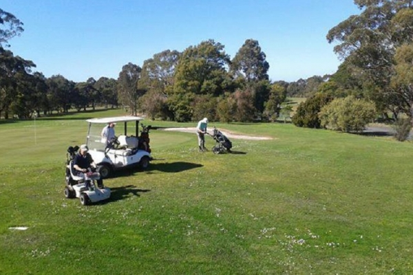 foster-golf-club190A8756-7BDB-8BB4-D006-2452FFCE9AA1.jpg