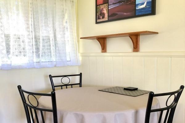 cabin-1-dining-table-1200pxAD6CB267-1440-24F6-DABD-05EF9E18A3C6.jpg