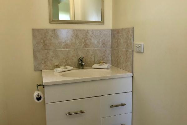cabin-2-bathroom-vanity-1200px21201719-2158-3539-6330-7969D1F5F185.jpg