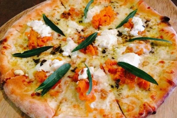 trulli-woodfired-pizza0B5B87D5-3270-F161-D47B-A7D1AD245129.jpg